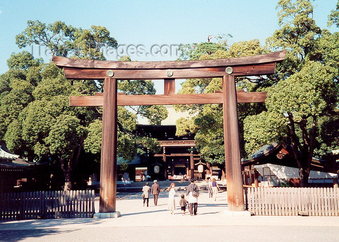 japan31: Japan - Tokyo: Meiji-jingu Shrine - the main gate, or torii - photo by M.Torres - (c) Travel-Images.com - Stock Photography agency - Image Bank