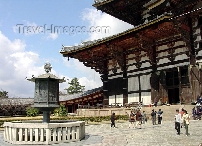 japan63: Japan (Honshu island) - Nara: Daibutsu-den Hall - Todai-ji Temple  - Unesco world heritage site - photo by G.Frysinger - (c) Travel-Images.com - Stock Photography agency - Image Bank