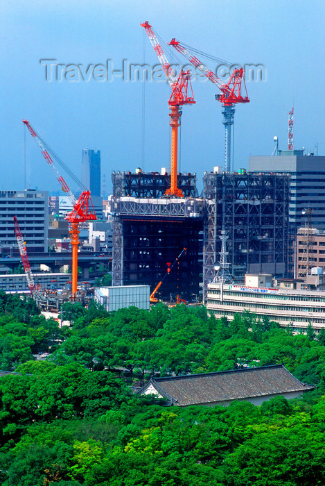 japan76: Construction industry - cranes at a building site, Tokyo, Japan. photo by B.Henry - (c) Travel-Images.com - Stock Photography agency - Image Bank