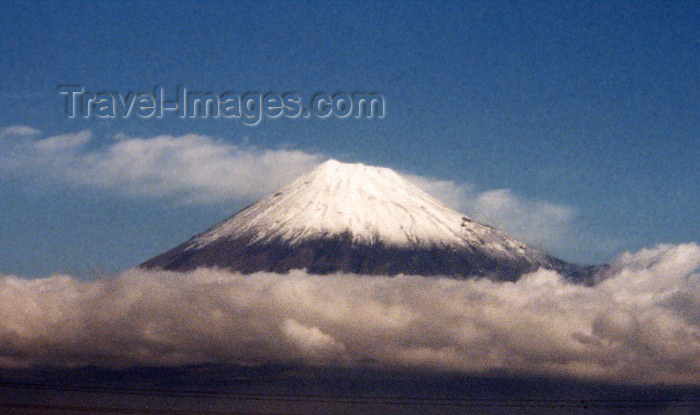japan8: Japan - Chubu: Mount Fuji / Fujiyama from the Shinkansen (Honshu island) - photo by M.Torres - (c) Travel-Images.com - Stock Photography agency - Image Bank