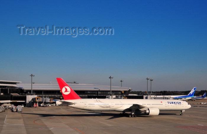 japan96: Narita, Chiba Prefecture, Japan: Narita International Airport (Tokyo Narita - NRT) - terminal 1 - Turkish Airlines Boeing 777-35R (ER)  TC-JJD cn 35159  Anadolu - photo by M.Torres - (c) Travel-Images.com - Stock Photography agency - Image Bank