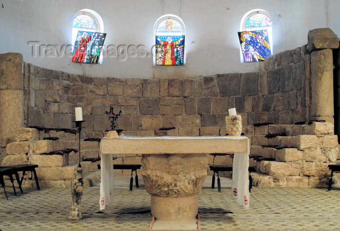 jordan112: Mount Nebo - Madaba governorate - Jordan: presbytery and the ancient 'cella tricora' - altar in the basilica - photo by M.Torres - (c) Travel-Images.com - Stock Photography agency - Image Bank