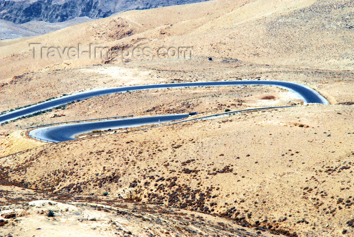 jordan123: Mount Nebo - Madaba governorate - Jordan: view from Mt Nebo- hairpin bends on the Transjordanian plateau near Wadi Afrit - switchbacks -photo by M.Torres - (c) Travel-Images.com - Stock Photography agency - Image Bank