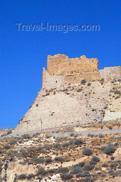 jordan125: Al Karak - Jordan: Crac des Moabites castle, built by Paganus, Lord of Oultrejordain, the butler of King Fulk and visited by Ibn Battuta - southern bastion - photo by M.Torres - (c) Travel-Images.com - Stock Photography agency - Image Bank