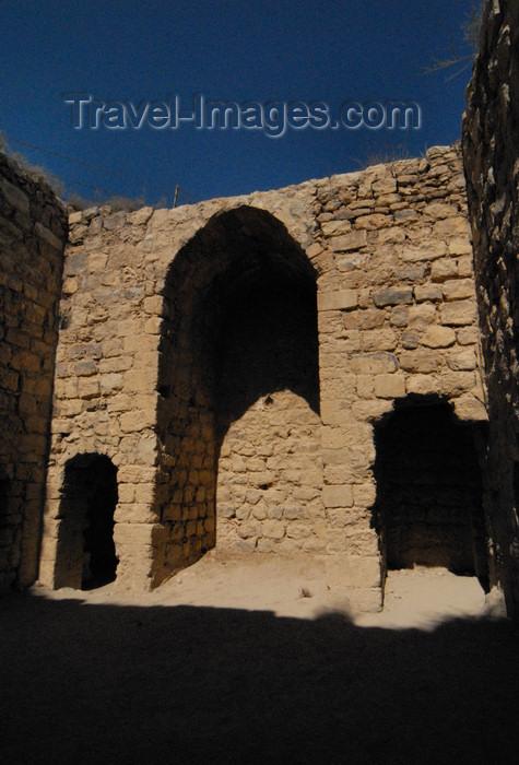 jordan141: Al Karak - Jordan: Crac des Moabites castle - wall with niches - photo by M.Torres - (c) Travel-Images.com - Stock Photography agency - Image Bank