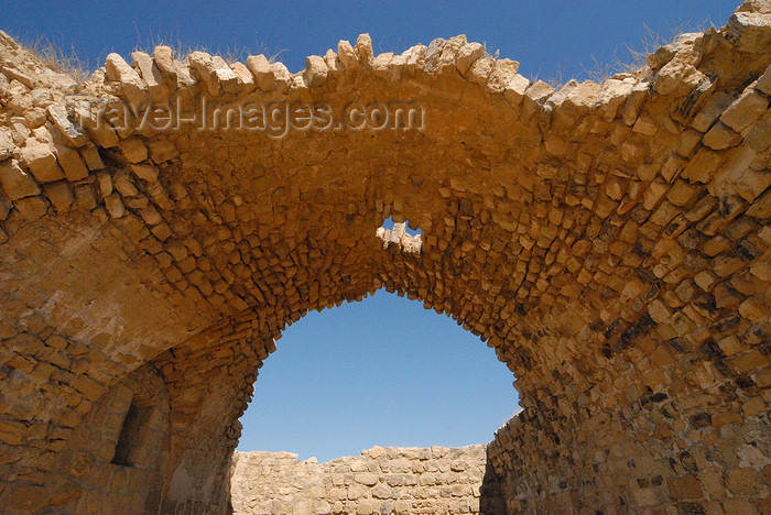 jordan143: Al Karak - Jordan: Crac des Moabites castle - church ruins - vault from the nave - photo by M.Torres - (c) Travel-Images.com - Stock Photography agency - Image Bank