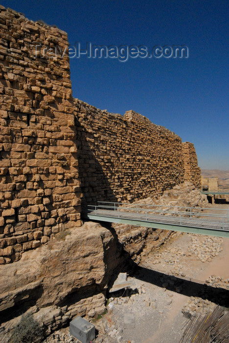 jordan148: Al Karak - Jordan: Crac des Moabites castle - northeast wall, moat and bridge - photo by M.Torres - (c) Travel-Images.com - Stock Photography agency - Image Bank