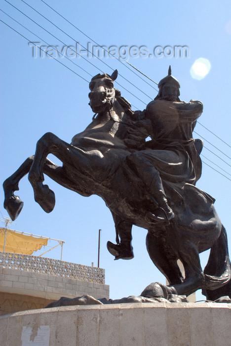 jordan149: Al Karak - Jordan: Saladin - equestrian statue - photo by M.Torres - (c) Travel-Images.com - Stock Photography agency - Image Bank
