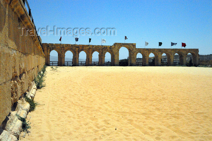 jordan157: Jerash - Jordan: the Hippodrome could seat 15000 spectators to watch athletic competitions, horse races, chariot races, and other sports - Roman city of Gerasa - photo by M.Torres - (c) Travel-Images.com - Stock Photography agency - Image Bank