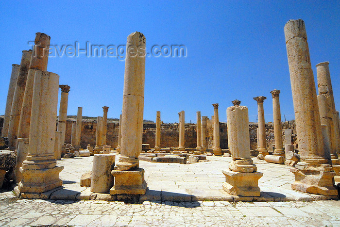 jordan168: Jerash - Jordan: the Macellum - Agora - grocery market - Roman city of Gerasa - photo by M.Torres - (c) Travel-Images.com - Stock Photography agency - Image Bank