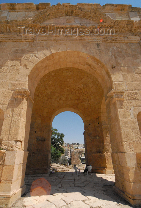 jordan177: Jerash - Jordan: North Tetrapylon - domed interior - Roman city of Gerasa - photo by M.Torres - (c) Travel-Images.com - Stock Photography agency - Image Bank