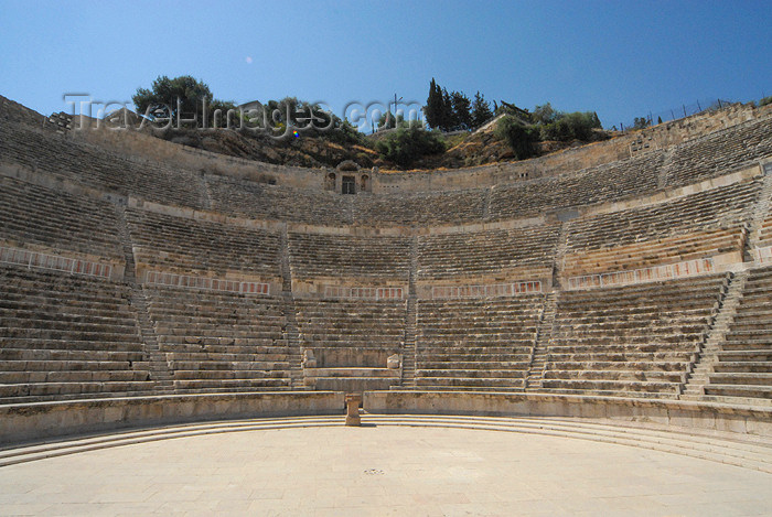 jordan18: Amman - Jordan: the Roman theatre can seat 6.000 spectators / civic theater - photo by M.Torres - (c) Travel-Images.com - Stock Photography agency - Image Bank