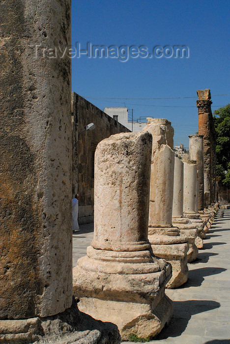 jordan193: Amman - Jordan: Roman Theatre - columns on the facade - photo by M.Torres - (c) Travel-Images.com - Stock Photography agency - Image Bank