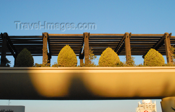 jordan207: Amman - Jordan: pedestrian overpass at the Hyatt hotel - photo by M.Torres - (c) Travel-Images.com - Stock Photography agency - Image Bank