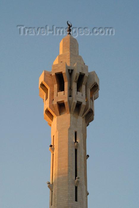 jordan209: Amman - Jordan: King Abdullah Mosque - modern minaret - photo by M.Torres - (c) Travel-Images.com - Stock Photography agency - Image Bank