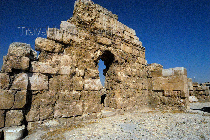 jordan228: Amman - Jordan: ruined wall - citadel - photo by M.Torres - (c) Travel-Images.com - Stock Photography agency - Image Bank