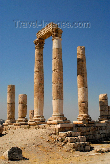 jordan239: Amman - Jordan: Temple of Hercule - citadel - photo by M.Torres - (c) Travel-Images.com - Stock Photography agency - Image Bank