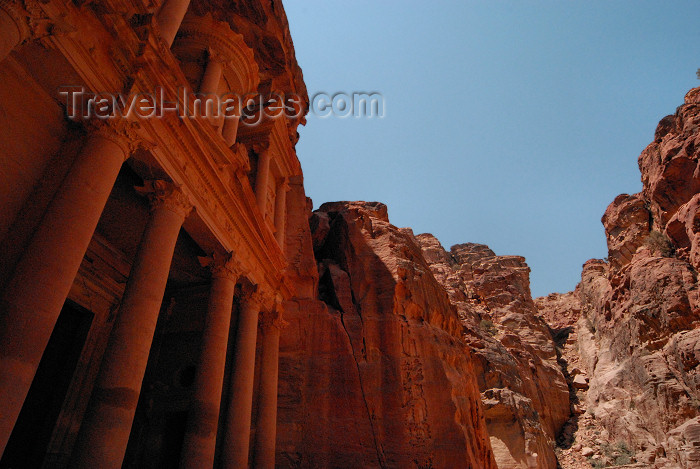 jordan257: Jordan - Petra: Khazneh - Treasury - hewn out of the sandstone cliff - UNESCO world heritage site - photo by M.Torres - (c) Travel-Images.com - Stock Photography agency - Image Bank