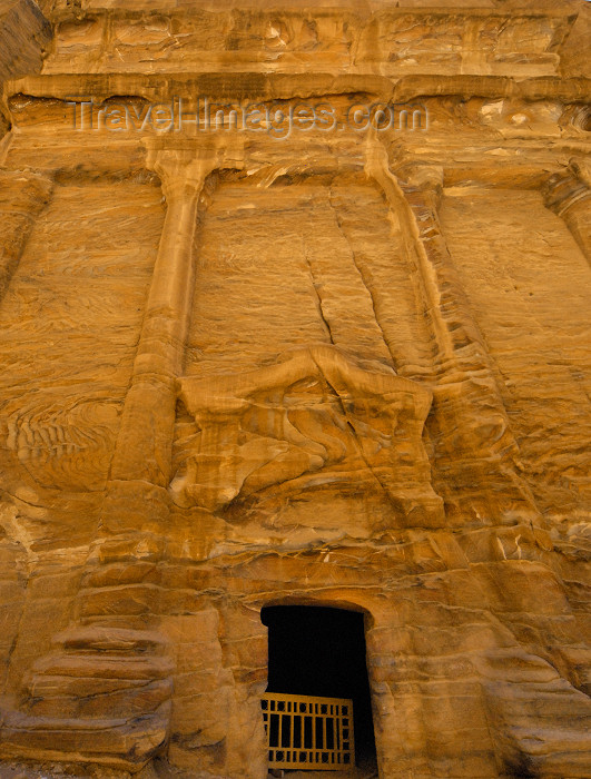 jordan262: Jordan - Petra:  eroded facade, with four columns - Street of Facades - Outer Siq - photo by M.Torres - (c) Travel-Images.com - Stock Photography agency - Image Bank