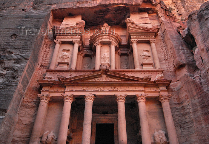file  jordan27 - Jordan - Petra  the Khaznah Firaoun - treasury of the  Pharaohs - UNESCO world heritage site - photo by M.Torres 00ad0aaf7