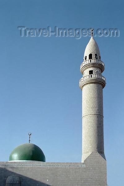 jordan45: Jordan - Aqaba / Akkaba / Al Aqabah: mosque - tall minaret - photo by J.Kaman - (c) Travel-Images.com - Stock Photography agency - Image Bank