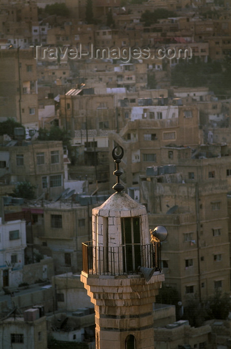 jordan53: Jordan - Amman / AMM /ADJ: mosque - minaret and dense housing - photo by J.Wreford - (c) Travel-Images.com - Stock Photography agency - Image Bank