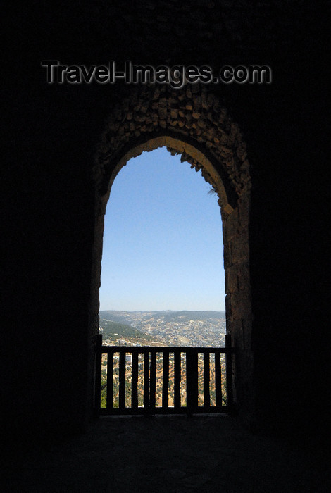 jordan75: Ajlun - Jordan: Ajlun castle - view over the valley - photo by M.Torres - (c) Travel-Images.com - Stock Photography agency - Image Bank