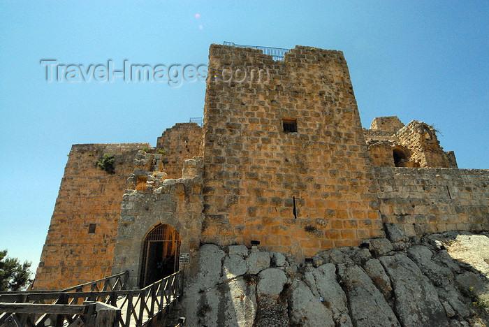 jordan79: Ajlun - Jordan: Ajlun castle - tower, bridge and main gate - photo by M.Torres - (c) Travel-Images.com - Stock Photography agency - Image Bank