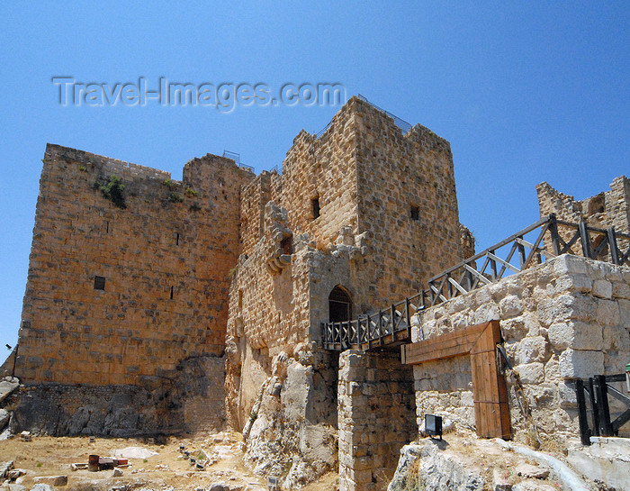 jordan80: Ajlun - Jordan: Ajlun castle - view from the moat - photo by M.Torres - (c) Travel-Images.com - Stock Photography agency - Image Bank