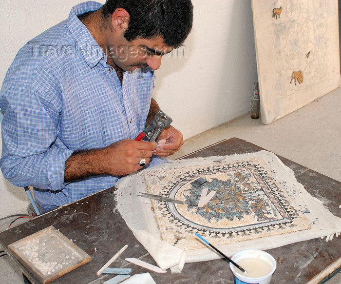 jordan91: Madaba - Jordan: artisan working on a mosaic - photo by M.Torres - (c) Travel-Images.com - Stock Photography agency - Image Bank