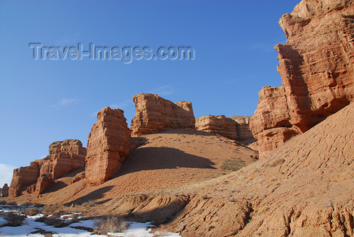 kazakhstan101: Kazakhstan, Charyn Canyon: Valley of the Castles - eroded rocks - photo by M.Torres - (c) Travel-Images.com - Stock Photography agency - Image Bank