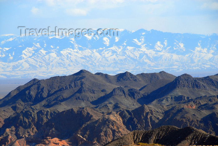kazakhstan108: Kazakhstan, Charyn Canyon: Torajgir Mountains - in the background the Tian Shan mountains - photo by M.Torres - (c) Travel-Images.com - Stock Photography agency - Image Bank