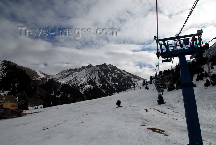 kazakhstan130: Kazakhstan - Chimbulak ski-resort, Almaty: ski lift - the resort has three successive chair lifts - total route length is 3620 m for a change of altitude of 1000 m - photo by M.Torres - (c) Travel-Images.com - Stock Photography agency - Image Bank