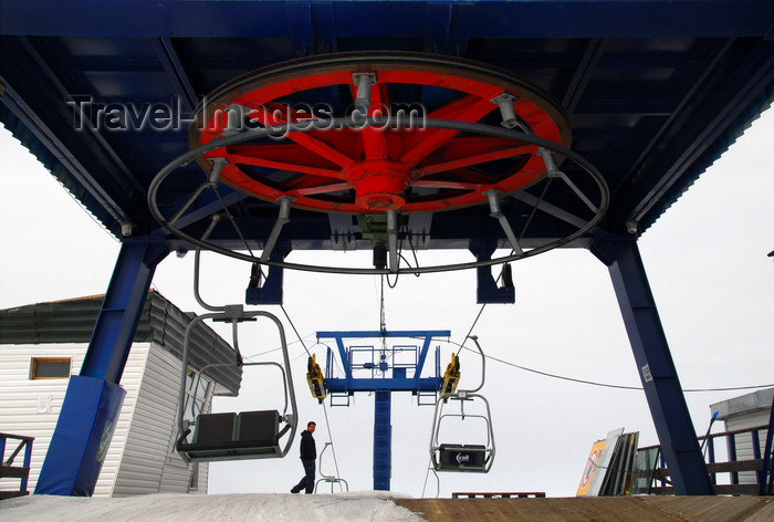 kazakhstan145: Kazakhstan - Chimbulak ski-resort, Almaty: Chairlift - 2nd stage - upper terminal - return bullwheel - photo by M.Torres - (c) Travel-Images.com - Stock Photography agency - Image Bank