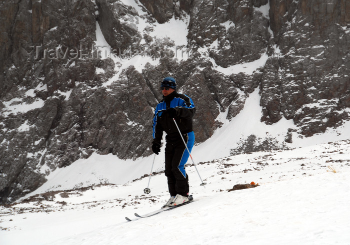 kazakhstan146: Kazakhstan - Chimbulak ski-resort, Almaty: skier near the top, Talgar crossing at 3200 m - the slalom run is 1500 meters long - photo by M.Torres - (c) Travel-Images.com - Stock Photography agency - Image Bank