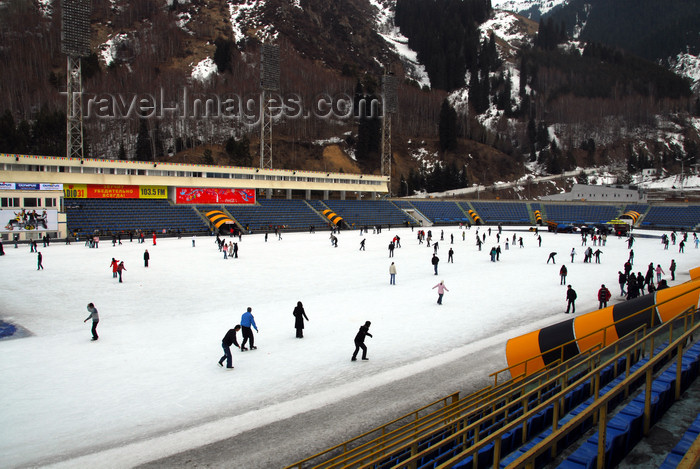 kazakhstan165: Kazakhstan,Medeu ice stadium, Almaty: on the ice - photo by M.Torres - (c) Travel-Images.com - Stock Photography agency - Image Bank