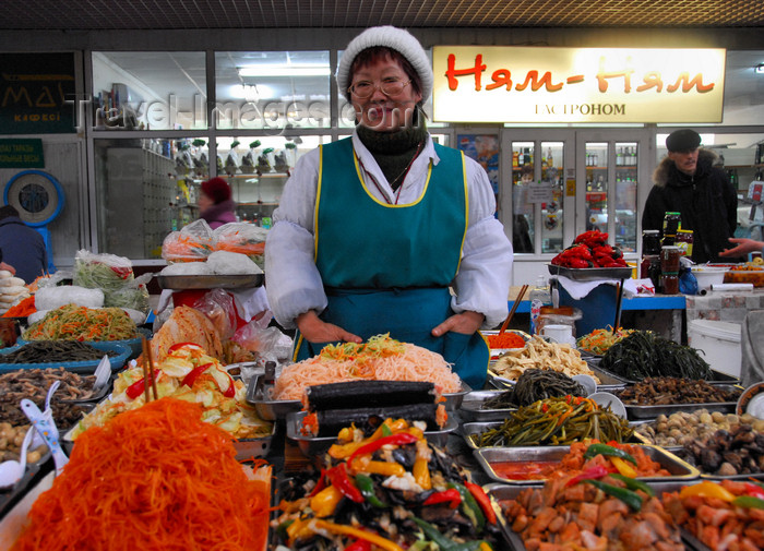 kazakhstan199: Kazakhstan, Almaty:green market, or Zelyoni Bazaar - woman selling Korean salads - photo by M.Torres - (c) Travel-Images.com - Stock Photography agency - Image Bank