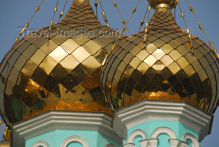 kazakhstan259: Kazakhstan, Almaty:  St Nicholas Church - Russian Orthodox - Nikolsky Sobor - twin golden onions - photo by M.Torres - (c) Travel-Images.com - Stock Photography agency - Image Bank