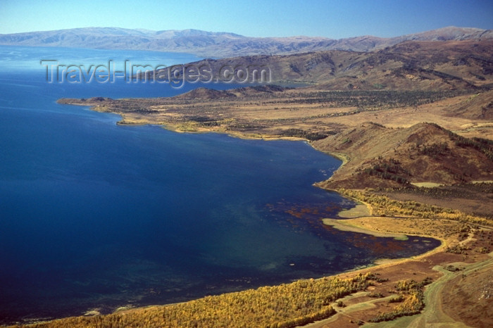 kazakhstan29: Kazakhstan - Lake Markakol: from above - ALpine lake - Markakolskiy Nature Reserve - photo by V.Sidoropolev - (c) Travel-Images.com - Stock Photography agency - Image Bank
