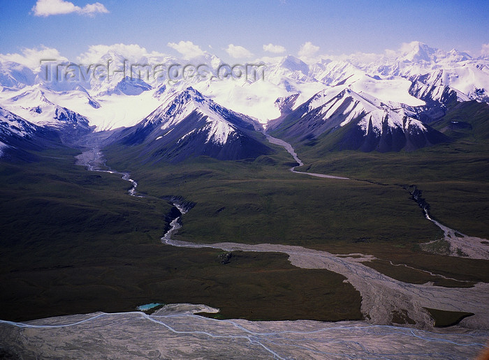 kazakhstan59: Kazakhstan - Tian Shan mountain range: landscape of plain, glaciers, rivers and mountains - photo by E.Petitalot - (c) Travel-Images.com - Stock Photography agency - Image Bank