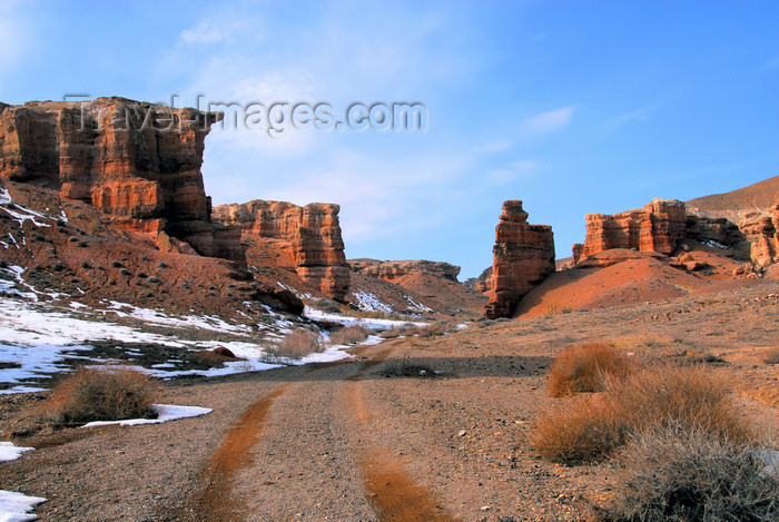 kazakhstan65: Kazakhstan, Charyn Canyon: Valley of the Castles, usually mentioned by its Russian name 'Dolina Zamkov' - photo by M.Torres - (c) Travel-Images.com - Stock Photography agency - Image Bank