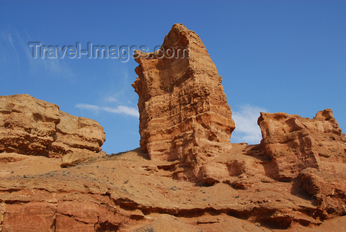 kazakhstan69: Kazakhstan, Charyn Canyon: Valley of the Castles - rock tower - photo by M.Torres - (c) Travel-Images.com - Stock Photography agency - Image Bank