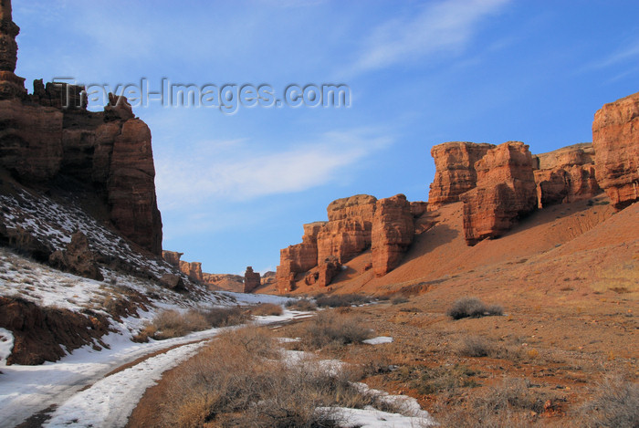 kazakhstan71: Kazakhstan, Charyn Canyon: Valley of the Castles - red cliffs of solid gravel which was deposited by debris flows - photo by M.Torres - (c) Travel-Images.com - Stock Photography agency - Image Bank
