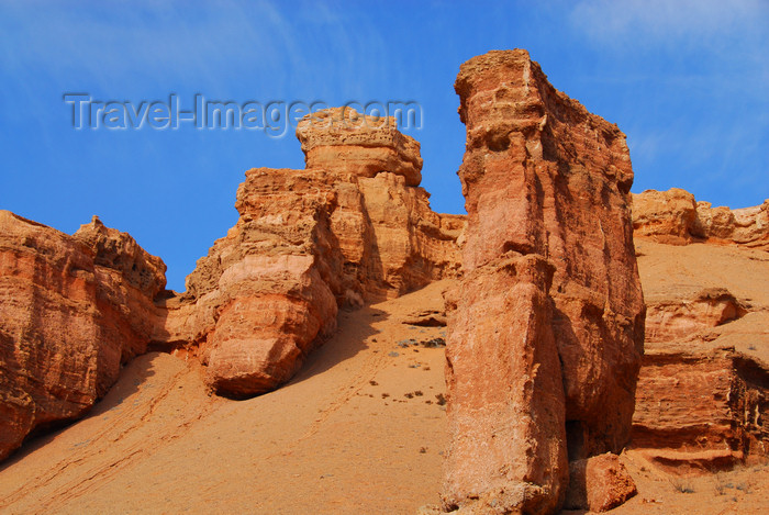 kazakhstan72: Kazakhstan, Charyn Canyon: Valley of the Castles - fantastic rocks shaped through centuries of wind, sun, and water - photo by M.Torres - (c) Travel-Images.com - Stock Photography agency - Image Bank