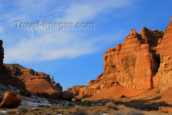 kazakhstan74: Kazakhstan, Charyn Canyon: Valley of the Castles - a touch of Colorado  - photo by M.Torres - (c) Travel-Images.com - Stock Photography agency - Image Bank