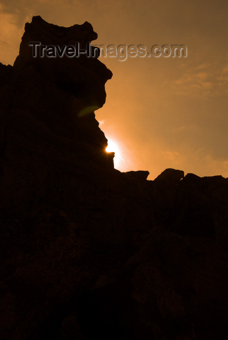 kazakhstan80: Kazakhstan, Charyn Canyon: Valley of the Castles - the sun hides - photo by M.Torres - (c) Travel-Images.com - Stock Photography agency - Image Bank