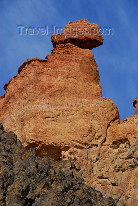 kazakhstan82: Kazakhstan, Charyn Canyon: Valley of the Castles - Fairy Chimney - hoodoo - photo by M.Torres - (c) Travel-Images.com - Stock Photography agency - Image Bank