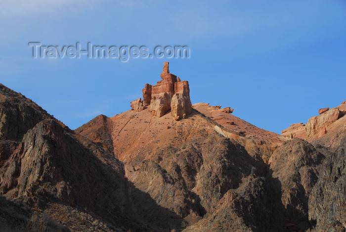 kazakhstan86: Kazakhstan, Charyn Canyon: Valley of the Castles - 'castle' towering above the gorge - photo by M.Torres - (c) Travel-Images.com - Stock Photography agency - Image Bank