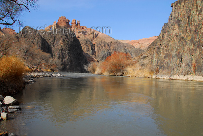 kazakhstan90: Kazakhstan, Charyn / Charin Canyon: Valley of the Castles - Charyn River - photo by M.Torres - (c) Travel-Images.com - Stock Photography agency - Image Bank