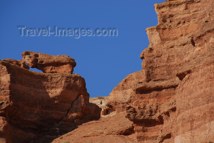 kazakhstan95: Kazakhstan, Charyn Canyon: Valley of the Castles - layers of sedimentary rocks - photo by M.Torres - (c) Travel-Images.com - Stock Photography agency - Image Bank
